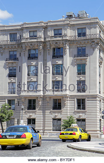 Baltimore Maryland Mount Mt. Vernon Historic District neighborhood Beaux Arts architecture building Washington Apartment - Stock Image