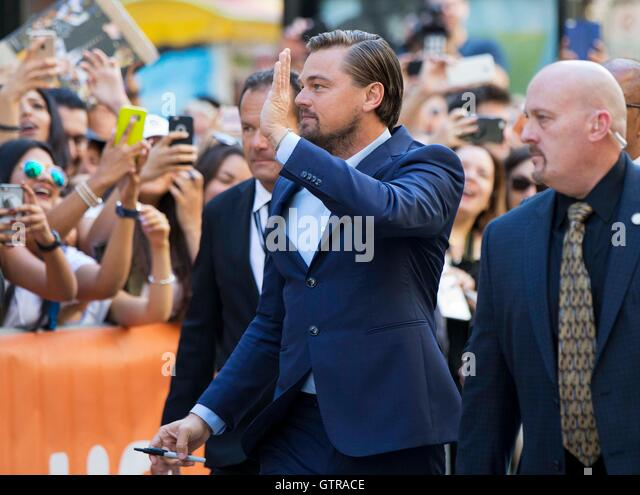 Toronto, Canada. 9th Sep, 2016. Actor Leonardo DiCaprio waves to fans before the world premiere of the documentary - Stock Image