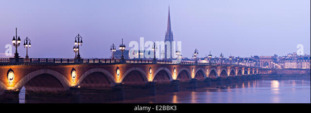 France, Gironde, Bordeaux, area listed as World Heritage by UNESCO, Pont de Pierre - Stock Image