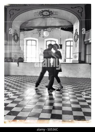 Couple dancing a Tango. - Stock-Bilder