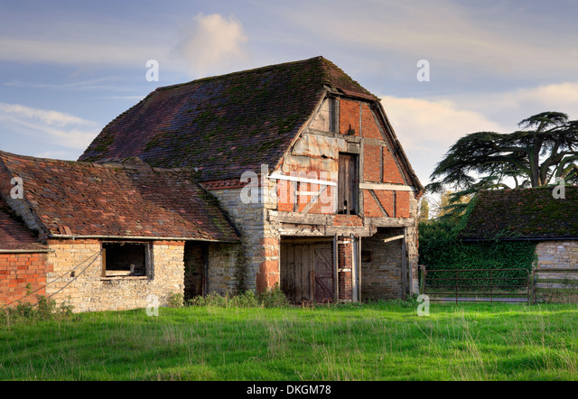 Hip roof stock photos hip roof stock images alamy for New england barns for sale