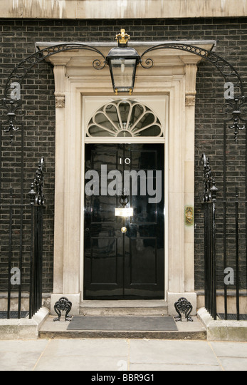 Number 10 downing street stock photos number 10 downing for Front door 10 downing street