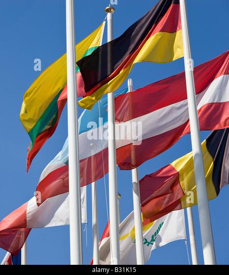 International flags flying - Stock-Bilder