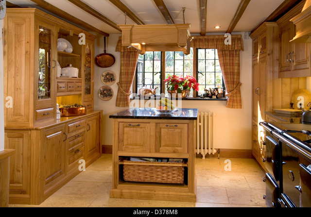 Solid wood stock photos solid wood stock images alamy for Wooden fitted kitchen