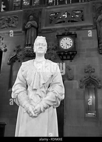 John Rylands Library Interior,Deansgate,Manchester,England,UK - Enriqueta Augustina Rylands (1907) statue Mono - Stock Image
