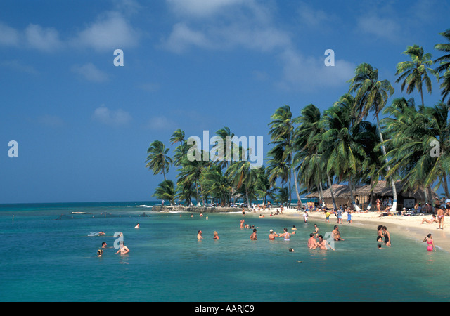 Panama San Blas Islands Tourists Swimming cruise excursion destination - Stock Image