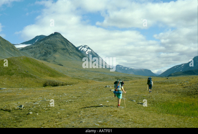 Trekking party in the Ruotesvagge valley, Sarek National Park, Lappland, Norrbottens Län, arctic Sweden. - Stock Image