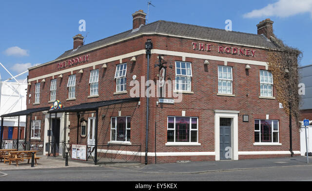 The Lord Rodney pub, Winwick Rd, Warrington, Cheshire, England, UK  WA2 7DH - Stock Image