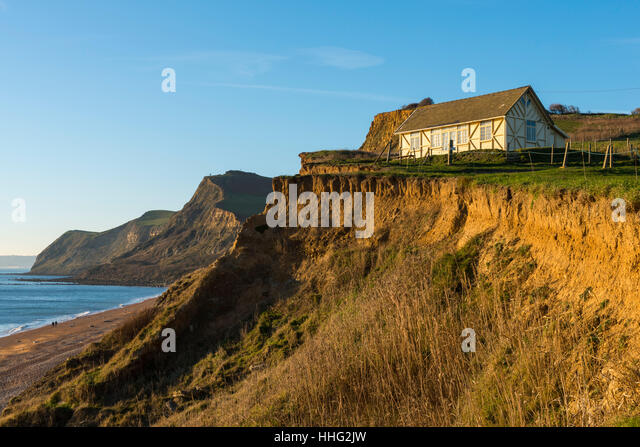 Eype Mouth, Dorset, UK. 19th Jan, 2017. UK Weather. Glorious late afternoon sunshine at the beach top hut a Eype - Stock Image
