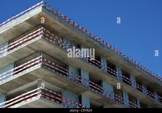 constructing a multi storey bulding Some basic choices may have a significant impact on the ease, time and cost of  both the fabrication and construction of a steel framed multi-storey building.