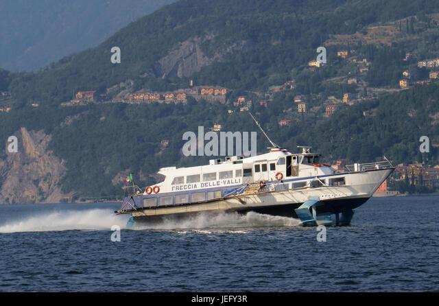 LAKE COMO,Piedmont, Italy. Express hydrofoil ferry boat service passing near Bellagio. Photo: Tony Gale - Stock-Bilder