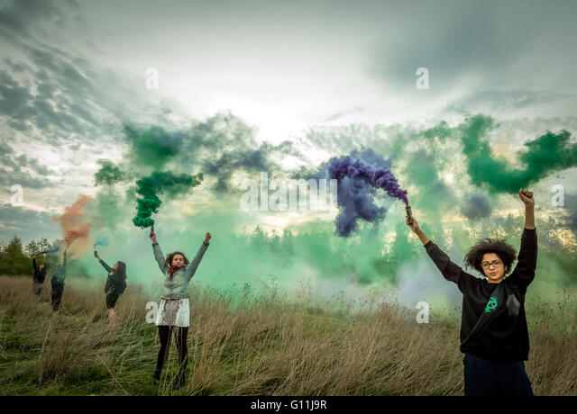 Bedfordshire, UK. 7th May, 2016. Shut Down Yarl's Wood Immigration Removal Detention Centre Protest © Guy Corbishley/Alamy - Stock Image