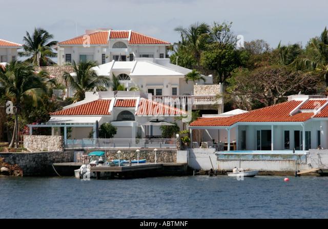 Sint Maarten Dutch Simpson Bay Lagoon homes waterfront - Stock Image