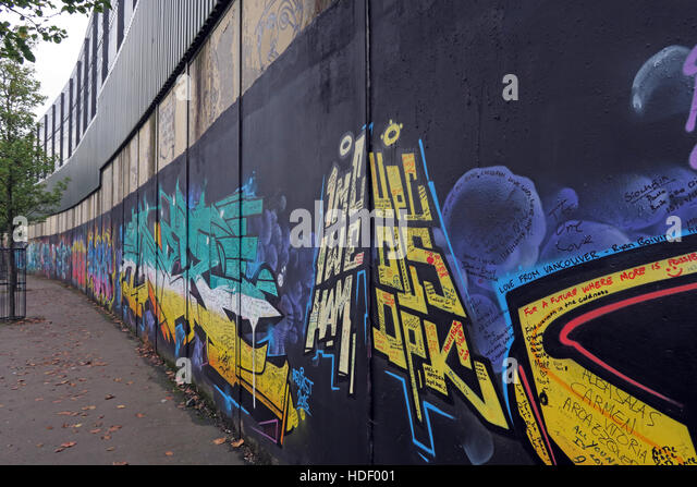 International Peace Wall,Cupar Way,West Belfast, Northern Ireland, UK - Stock Image