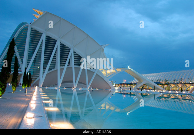 Spain Valencia City of sciences and arts by architect Santiago Calatrava twilight Museum of science at night - Stock Image