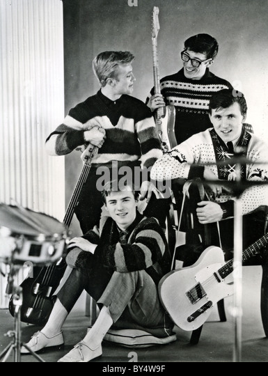 SHADOWS  Promotional photo of UK group early 1961. Clockwise from top left: Jet Harris, Hank Marvin, Bruce Bennett, - Stock Image