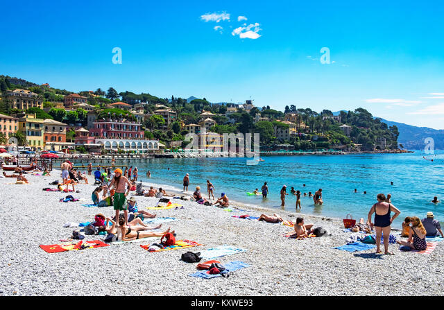 early summer on the beach at santa margherita ligure on the italian riviera, liguria, italy. - Stock Image