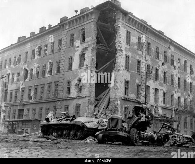 Destroyed Soviet tank during Hungarian Revolution - Stock Image