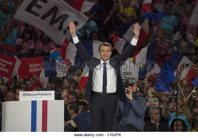 Paris, France. 17th Apr, 2017. French presidential candidate Emmanuel Macron gestures as he delivers a speech during - Stock Image