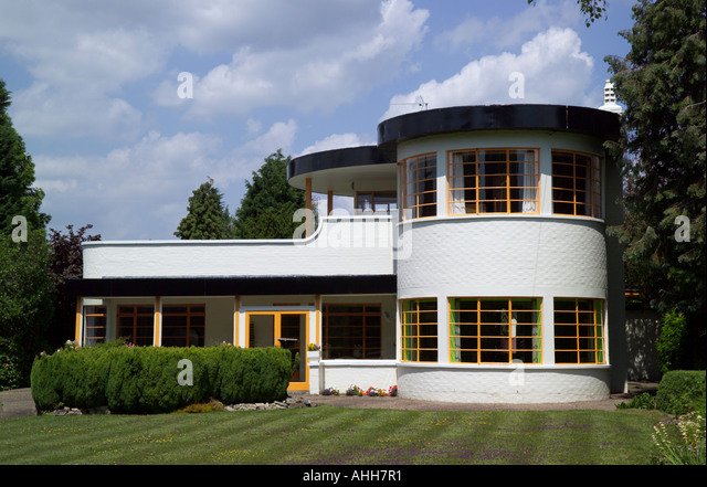 The Sun House in Cambridge UK. A grade 2 listed home in Art Deco style built in 1938 by Architects Mullet and Denton - Stock-Bilder
