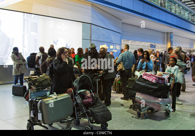 Arrivals Hall - Terminal 5 - Heathrow Airport  - London - Stock-Bilder