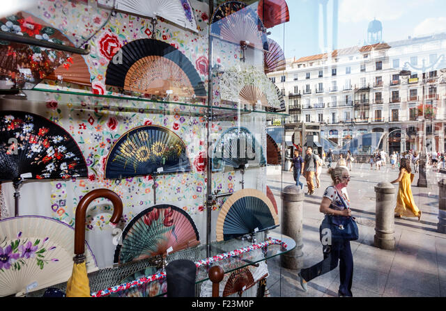 Madrid Spain Europe Spanish Centro Plaza de la Puerta del Sol shopping display sale Casa de Diego abanicos hand - Stock Image
