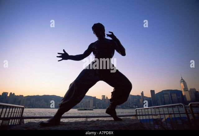 China, Hong Kong, Kowloon, Tsim Sha Tsui, Avenue of the Stars, Bruce Lee Statue - Stock Image