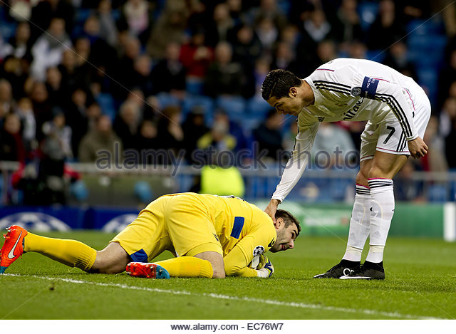 SPAIN, Madrid: Real Madrid's Portuguese forward Cristiano Ronaldo and Ludogorets´s goalkeeper player Vladislav - Stock Image