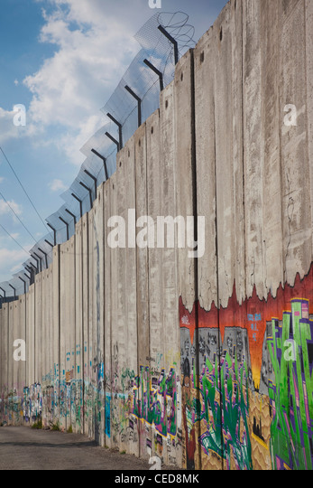 Israel, West Bank, Bethlehem, Israeli-built West Bank Wall surrounding Bethlehem - Stock Image