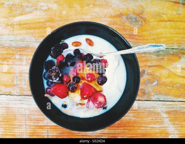 Muesli and berries breakfast - Stock-Bilder