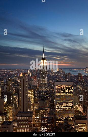 USA, New York, New York City, Empire State Building and lower Manhattan Skyline - Stock Image