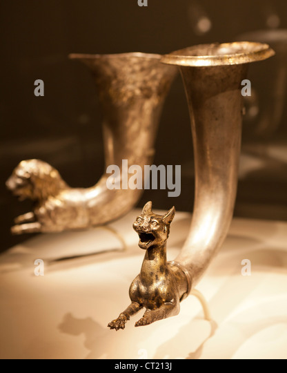 Wine horn with lion silver protome - Iran, Parthian period, 1st century BC - Stock Image