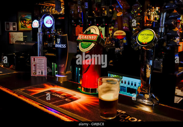 The Elephant British Pub in Adelaide's East End - Stock Image