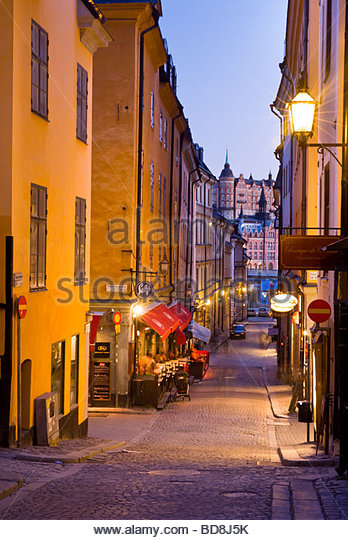 Street scene at night, Gamla Stan, Stockholm, Sweden. - Stock Image