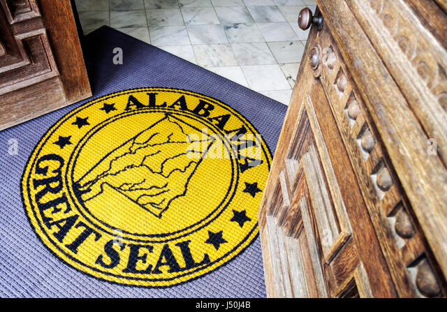 Montgomery Alabama State Capitol Building wood door rug Great Seal entrance - Stock Image