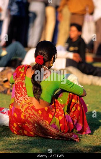 Indien, Mumbai, Frau in Sari - Stock-Bilder