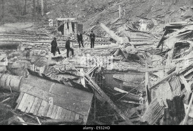 Wreck of the Compressor at Bunker Hill Mill - The Largest in the World - Destroyed during the Wardner Riots, Coeur - Stock Image