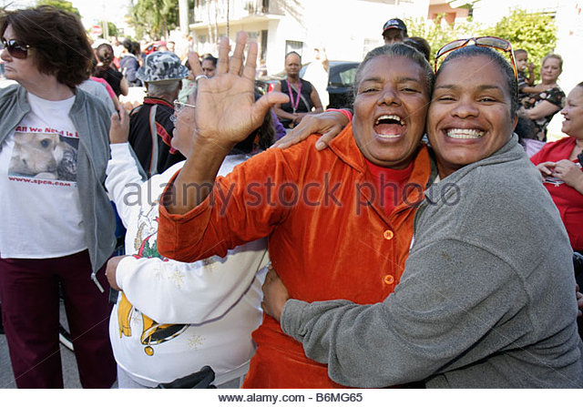 Miami Florida Little Havana Jose Marti Park Thanksgiving Turkey Giveaway give-away give away Hispanic Black woman - Stock Image