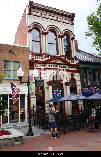 Union Jack Pub and Restaurant in the 1870 Union Bank building, Old Town pedestrian mall, Winchester, Virginia - Stock Image