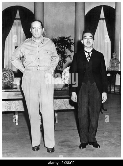 General Douglas MacArthur with Japanese Emperor Hirohito 1945 - Stock Image