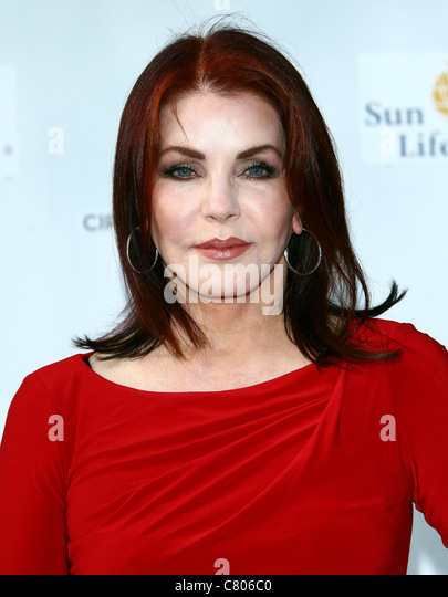 PRISCILLA PRESLEY CIRQUE DU SOLEIL IRIS. WORLD PREMIERE HOLLYWOOD LOS ANGELES CALIFORNIA USA 25 September 2011 - Stock Image