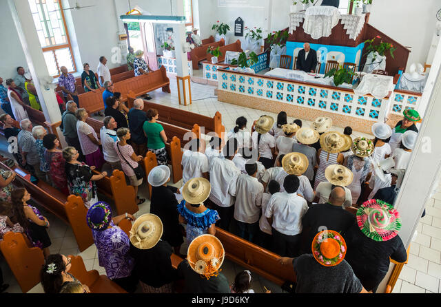 Women with traditional hats at a church service, Rarotonga, Rarotonga and the Cook islands, South Pacific, Pacific - Stock-Bilder