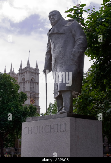 Winston Churchill statue Parliament Square, London - Stock Image