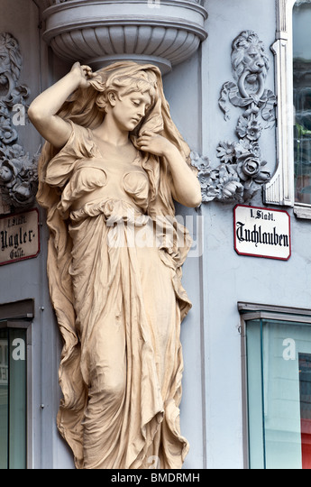 Art nouveau sculpture, Tuchlauben strasse, Innere Stadt, Vienna, Austria - Stock Image