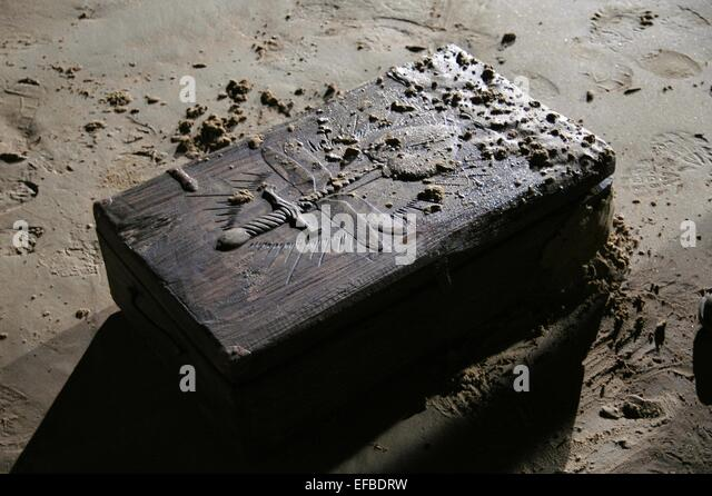 CURSED ANCIENT WOODEN BOX OPEN GRAVES (2009) - Stock Image
