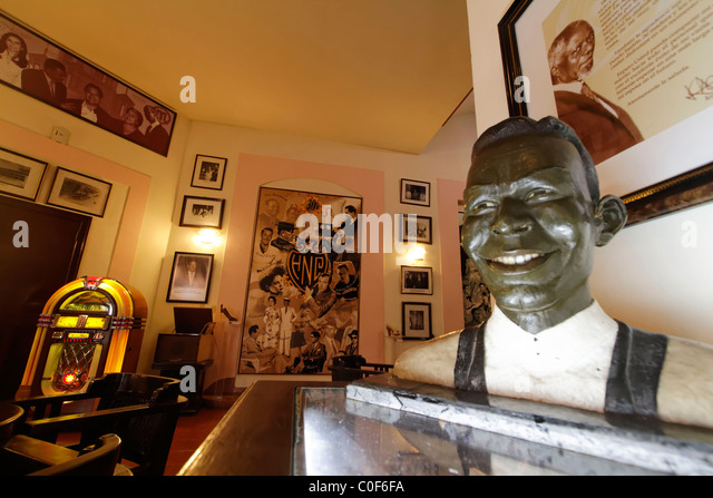 Hotel National Vedado, famous Bar , Nat King Cole Statue, Cuba - Stock Image