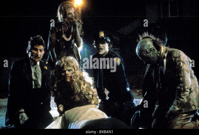 RETURN OF THE LIVING DEAD PART II (1988) ZOMBIES RLD2 001 - Stock Image