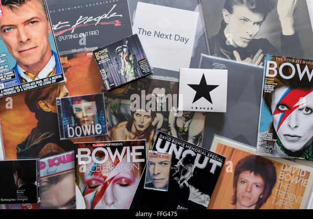 David Bowie - Collection of albums,vinyl,cd's magazines and memorabilia featuring David Bowie's image - Stock Image