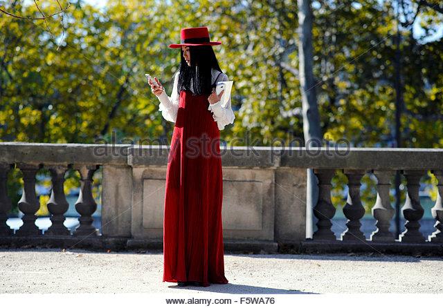 Paris Fashion Week Stock Photos & Paris Fashion Week Stock ...