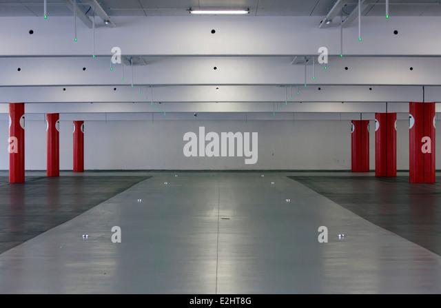 empty parking garage stock photos empty parking garage stock images alamy. Black Bedroom Furniture Sets. Home Design Ideas